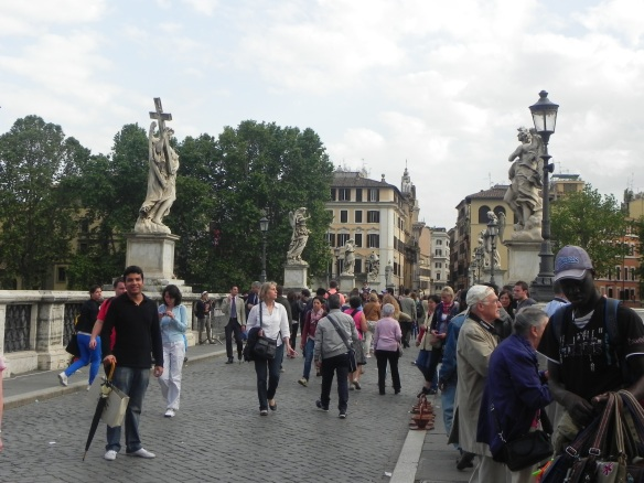 tourists at the saint angelo entrance