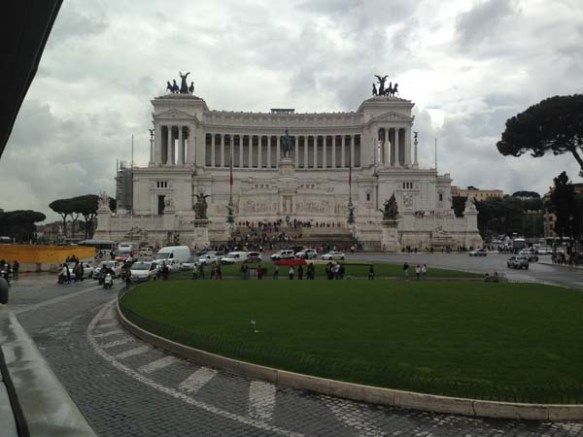 a picture of the piazza venezia rome italy