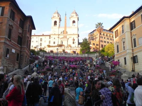 A picture of the front view of Spanish steps or Piazza di Spagna