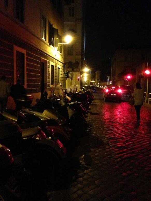 Nightscene-nightlife-trastevere-rome-italy