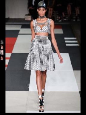 Alexander McQueen Fashion Week spring summer 2014 ready to wear-1_1
