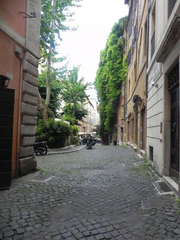 sidewalk of the streets of rome in navona area