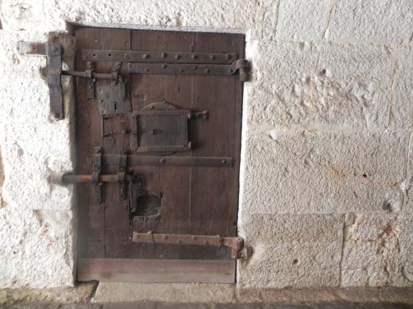 10-Door-Wood-Old-Antique-Fear-Lock-Dark - 10-Door-Wood-Old-Antique-Fear-Lock-Dark Razan Masri