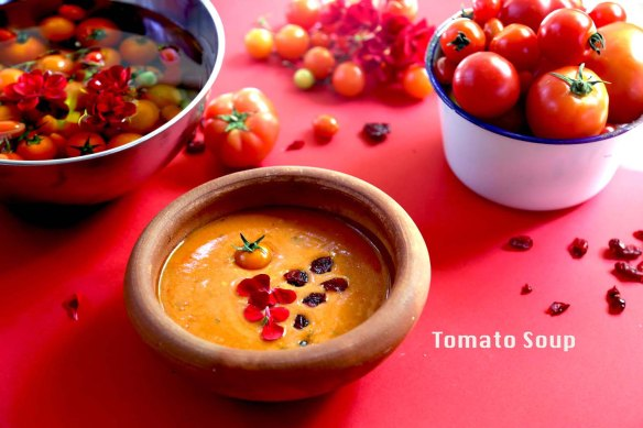 Tomato soup recipe making with tomatoes