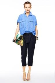 blue shirt and capri pants classic chic spring summer 2015