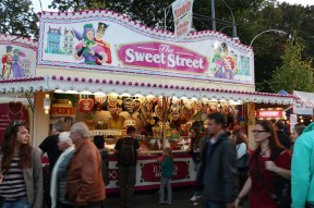 Quality street look alike carriage