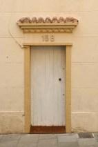 Beige door Streets of barcelona artsy