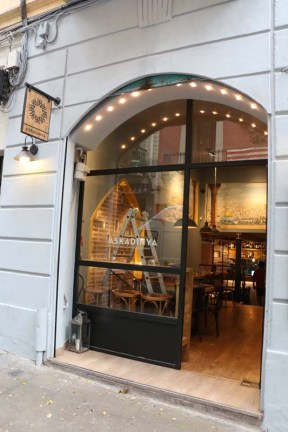 Palestinian cuisine in the middle of barcelona