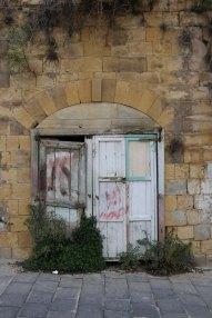 Al Salt, AsSalt, Al-Salt, AlSalt, Jordan, white old door, broken. مدينة السلط الاردن باب قديم