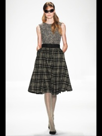 grey tweed and squared skirt grey scale outfits
