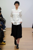 white shirt and black skirt classic looks