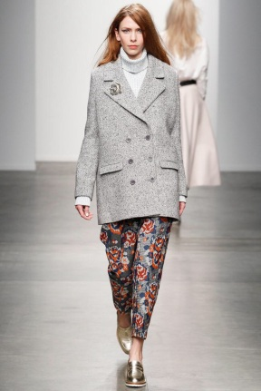 Short grey classic coat Favorite coats for this fall winter 2014 2015 ready to wear collections