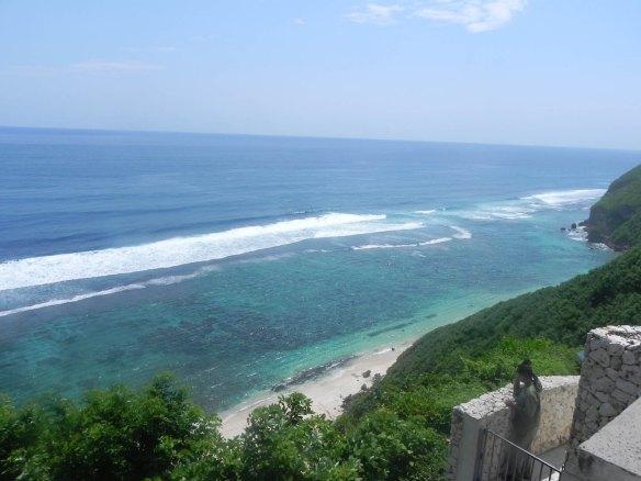 White sand blue ocean Bali Nosodua