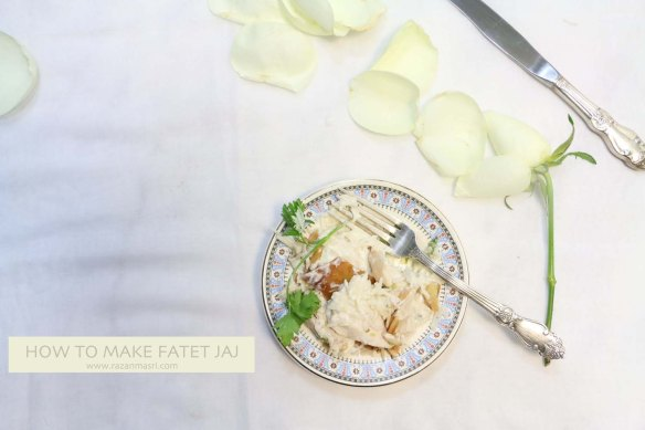 How to make a Middle-eastern chicken fatteh dish jaj طريقة عمل فتة الدجاج