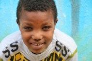 Gaza-Refugee-Camp-UN-School-Group-Photo-portrait-yellow-1