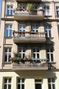 Berlim Architecture and floral balconies