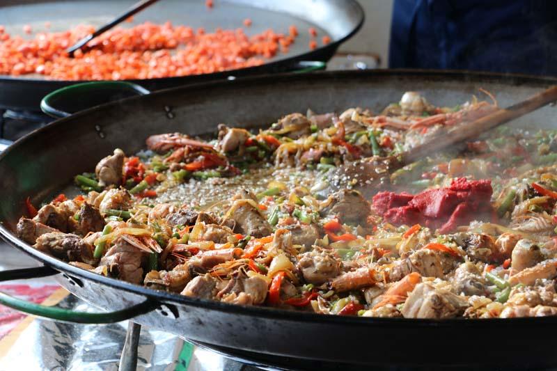 Making Paella at Neukolln flea market