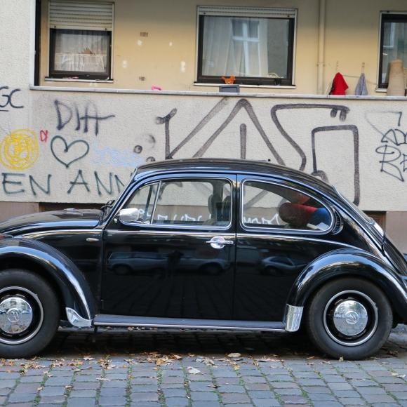 Neukolln black car