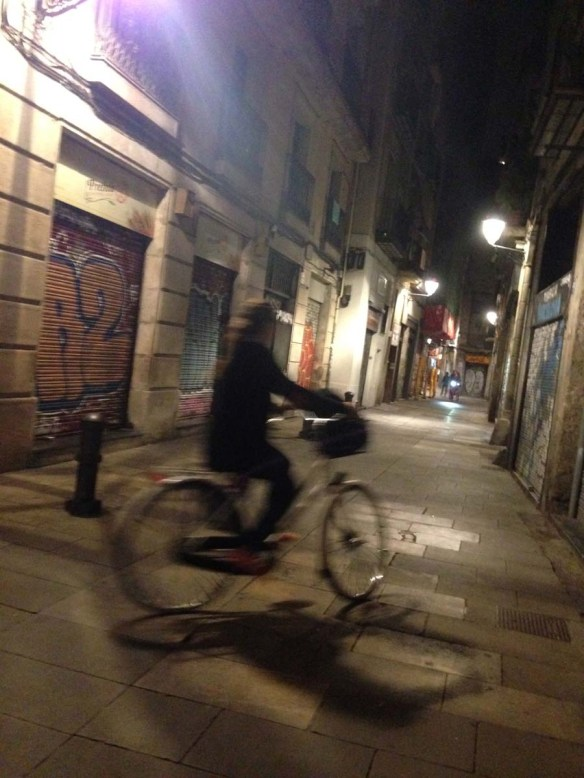 Cycling at the gothic quarter