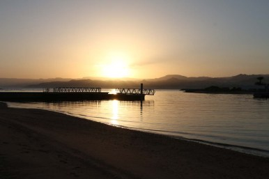 sunset-Saraya-Aqaba-Jordan-Travel-Red-Sea-easgle-hills