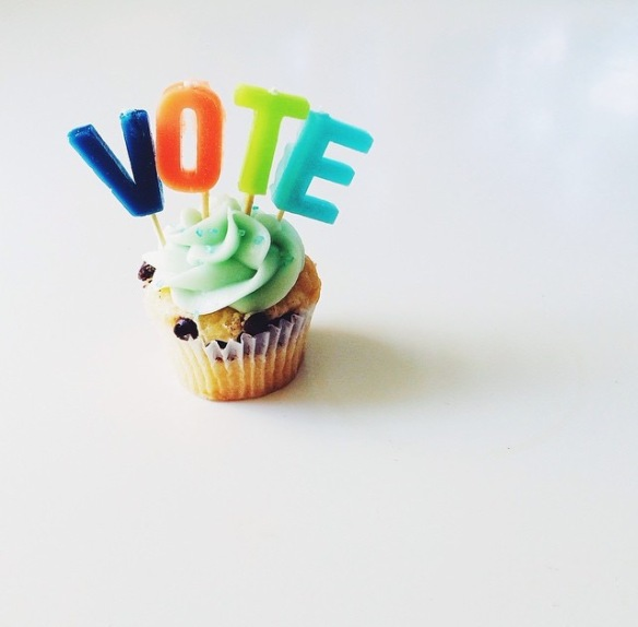 HummingBirdHigh, vote, cupcake, decoration
