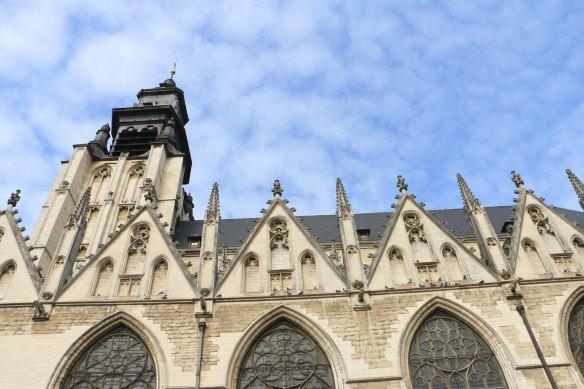 Belgium-brussels-traveling-travel-blog-architecture-Justice-Palace-Chapel-Church-Notre-Dame-de-la-chapelle