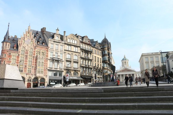 Belgium, brussels, travel, travel blog, architecture, Coudenberg Street-6