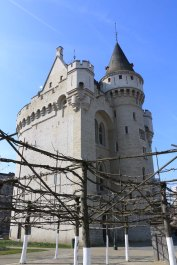 Belgium-brussels-traveling-travel-blog-architecture-Halle-Gate-3