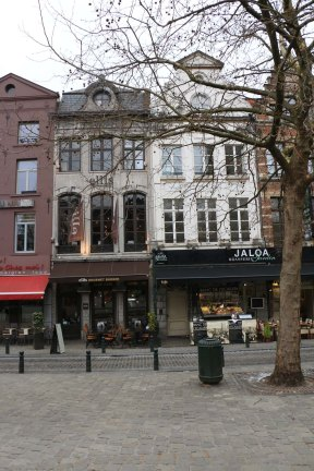 Belgium-brussels-traveling-travel-blog-architecture-st-catherine-1