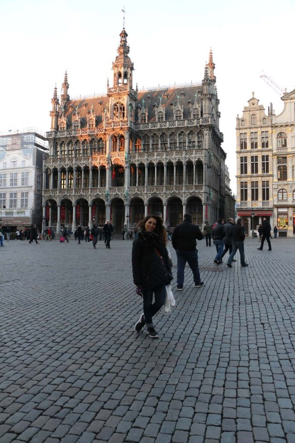 Belgium-brussels-traveling-travel-blog-architecture-Town-Hall-Grand-Place-1