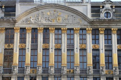 Belgium-brussels-traveling-travel-blog-architecture-Town-Hall-Grand-Place-6