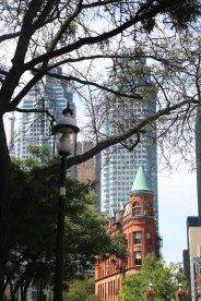 toronto-harbor-front-distillery-district-farmer-market-saint-lawrence-market-1
