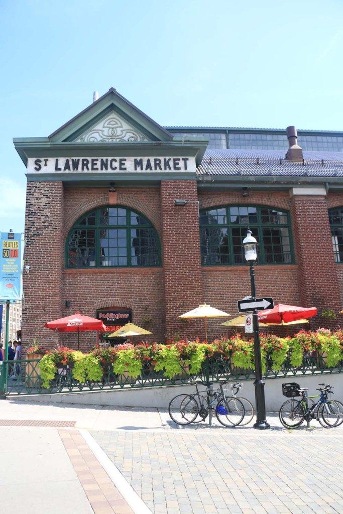 toronto-harbor-front-distillery-district-farmer-market-saint-lawrence-market-1