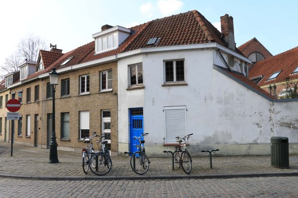 bruges, belgium, travel, architecture, bicycle, door