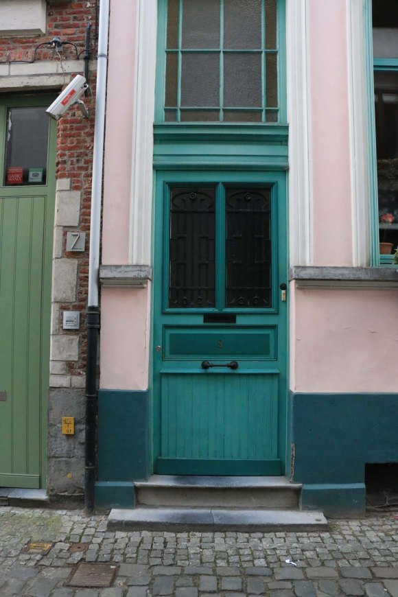 green, teel, door